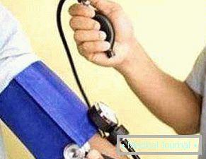 hipertenzija hipertenzivna kriza postoji