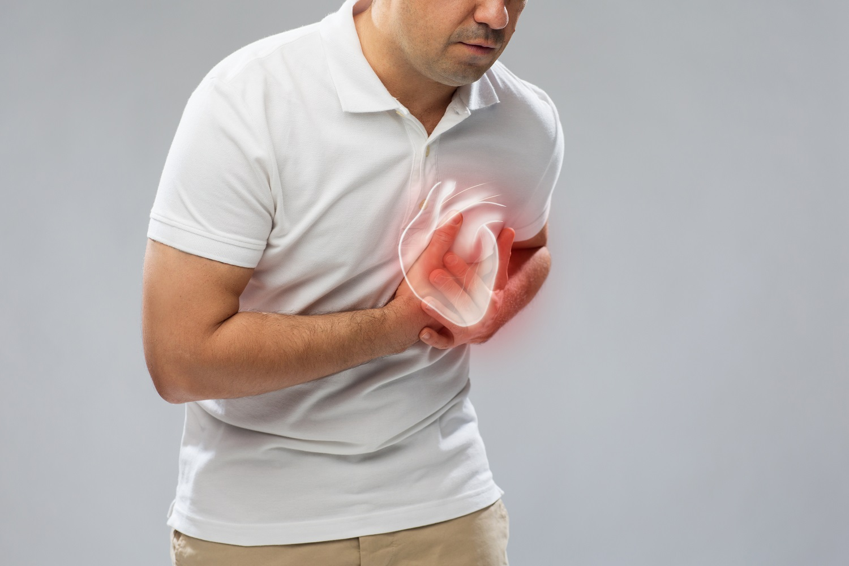 Pritisak u prsima – uzroci, simptomi i liječenje